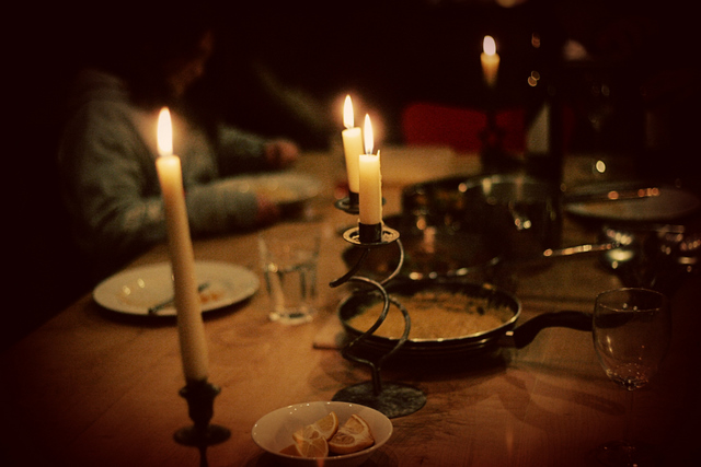 Advent Blog: 16 Curry by candle light