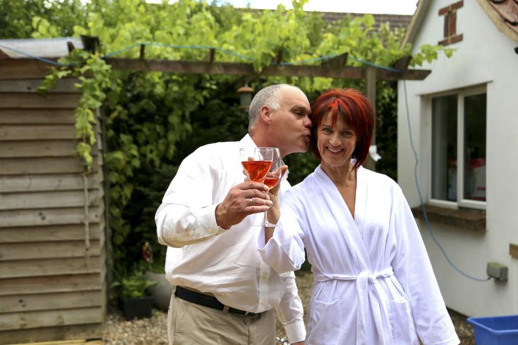 Sue & Wil sneak peek (5)
