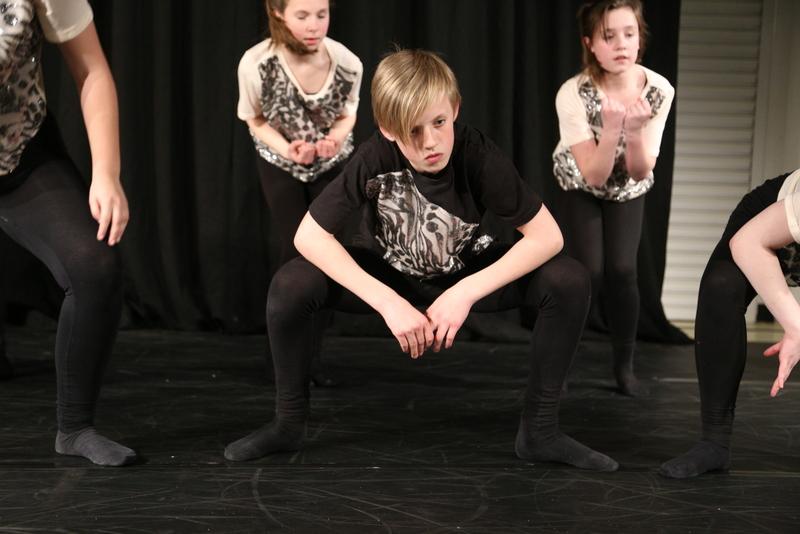 Neatherd dance show sample (16)